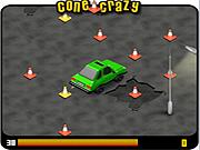 Un conducteur renverse des cônes routiers