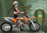 Pilotage de motocross avec Lara Croft en Egypte