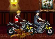 Figures incroyables en moto et voiture